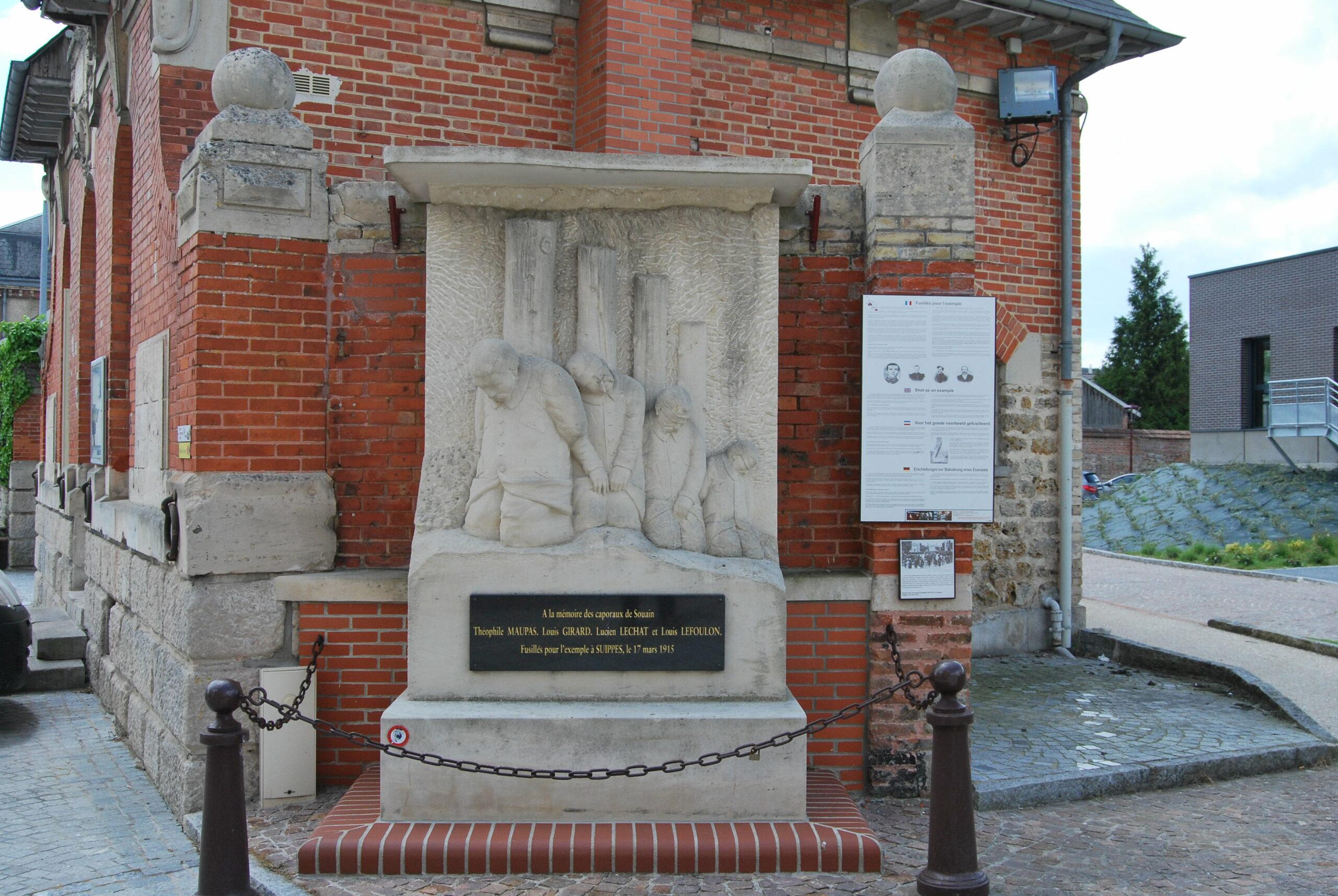 Monument les Fusillés 2